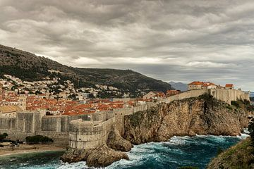 Uitzicht oude stad van Dubrovnik (Kroatie) van Marcel Kerdijk