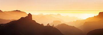 Roque Bentayga bij zonsondergang, Gran Canaria, Canarische Eilanden, Spanje van Markus Lange
