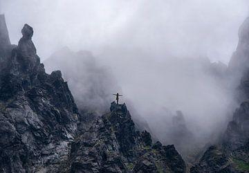 Hoog in de bergen van Marcel van Balken