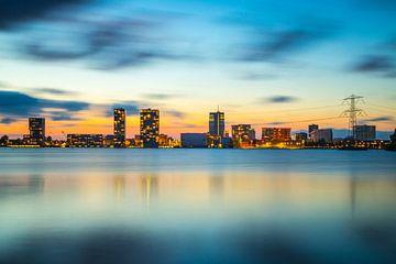 Avondfoto skyline Almere - 2 von Dennis Kuzee