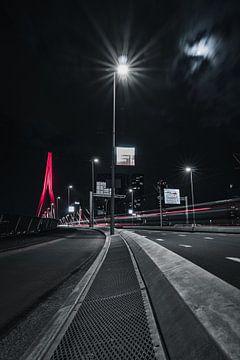 rouge erasmusbrug au nuit sur vedar cvetanovic