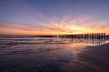 Zonsondergang aan zee van Remco van Drunen