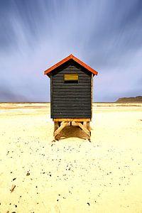 Eenzaam strandhuisje in Kaapstad