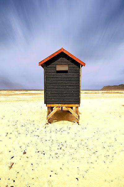 Eenzaam strandhuisje in Kaapstad van Heleen van de Ven