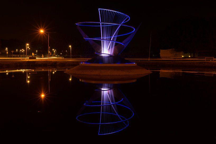 Verlichte fontein in Veendam van Arline Photography