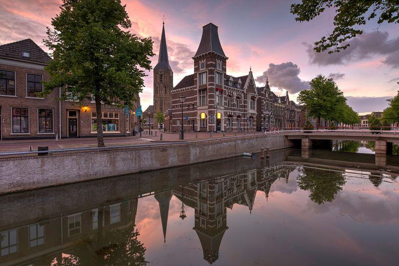 Voormalig gerechtsgebouw aan de Burgwal  te Kampen van Fotografie Ronald