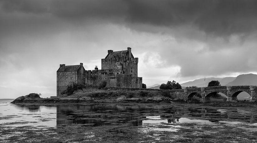 Eilean Donan Castle, Scotland van Henk Meijer Photography