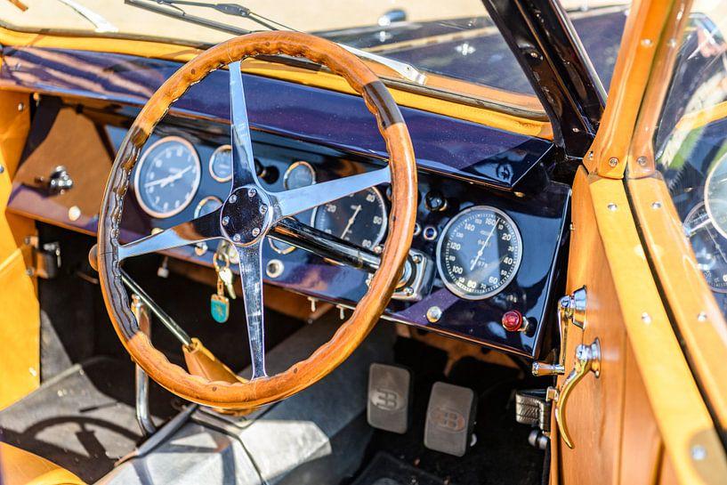 Bugatti Type 57 Berline jaren '30 Berline klassieke auto interieur van Sjoerd van der Wal