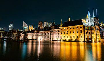 Den Haag hofvijfer in de avond van Marjolein van Middelkoop