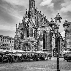 NÜRNBERG Frauenkirche & Hauptmarkt  von Melanie Viola