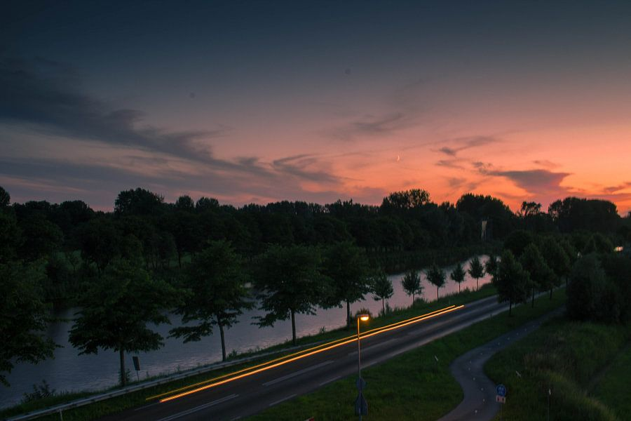 Zonsondergang van Starkenborghkanaal te Groningen