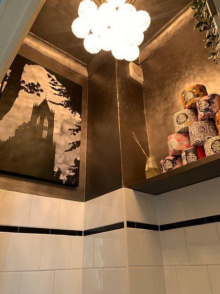 Klantfoto: Tegenlicht in Utrecht: Silhouet van de Domtoren in Utrecht (monochroom) van De Utrechtse Grachten
