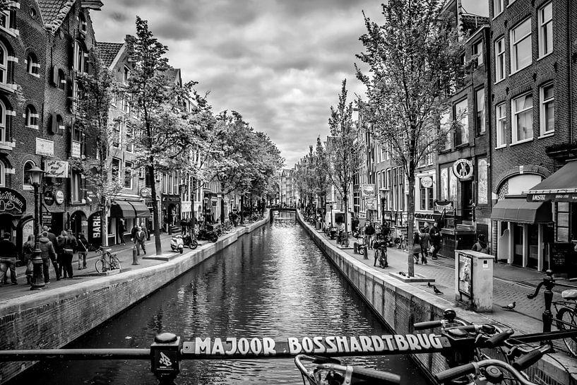 Oudezijds Achterburgwal Amsterdam van Melanie Viola