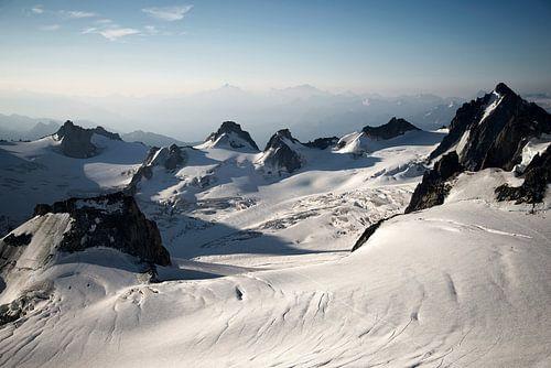 Bergtoppen in de Franse Alpen van Febe Waasdorp
