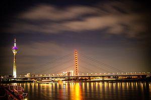 Düsseldorf nachtlandschap van Madan Raj Rajagopal