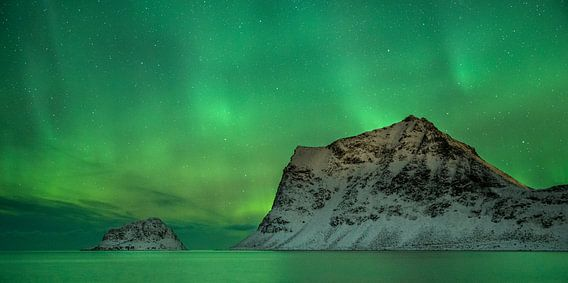 Aurora Borealis at Vik Beach van Nando Harmsen
