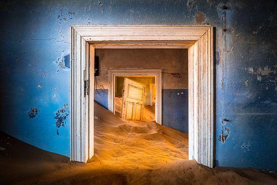 Blue Room van Thomas Froemmel