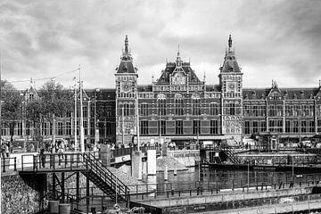 Gare centrale d'Amsterdam sur Elles Rijsdijk
