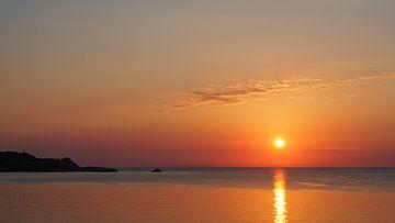 Sonnenaufgang am Meer, romantisch, Mallorca van Edeltraut K. Schlichting
