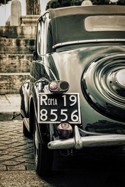 Roma: FIAT classic at il Vittoriano