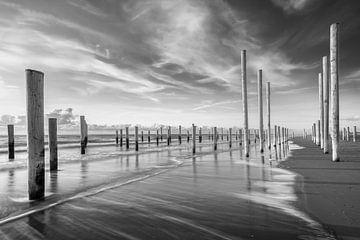 Die Pole von Petten in schwarz-weiß von Jenco van Zalk