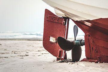 Schiffsschraube auf dem Strand von Florian Kunde