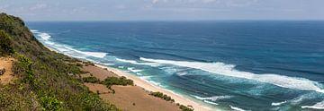 Die Küstenlinie der indonesischen Insel Bali. Die wunderschöne Insel mit ihren Reisfeldern, Stränden von Martijn Bravenboer