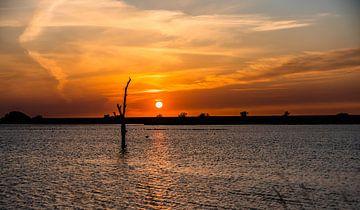 zonsondergang op het ijsselmeer van Jan Peter Nagel