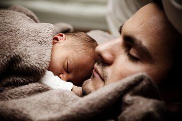 Man met baby van Atelier Liesjes