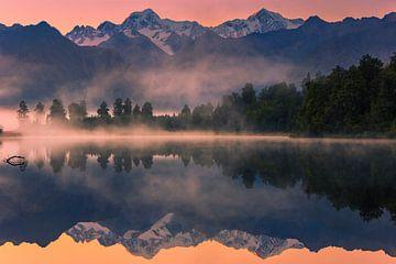 Sonnenaufgang am Lake Matheson, Neuseeland von Henk Meijer Photography