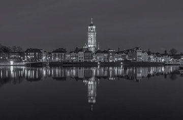 Deventer Skyline met Lebuïnuskerk in de avond - 4 van