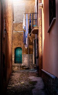 Tussen de kleine straatjes van Sicilië van Costas Ganasos