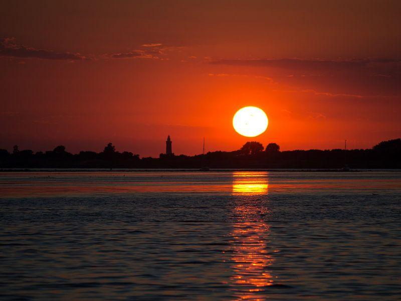 Zonsondergang Grevelingenmeer van Bob de Bruin