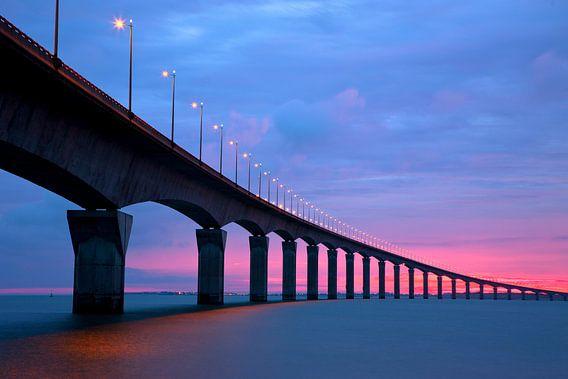 Pont Île de Ré - 6H. Le Matin Color van Patrick LR Verbeeck