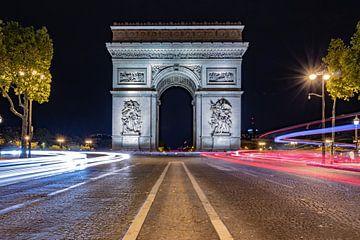 Arc de Triomphe in der Nacht .. von Patrick Löbler