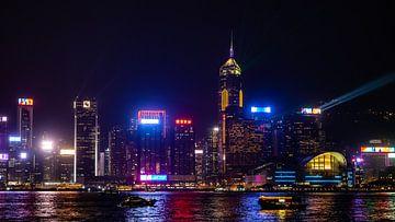 Die Skyline von Hongkong bei Nacht von Stijn Cleynhens