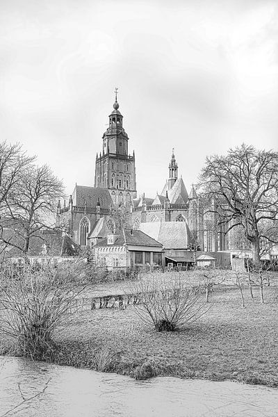 Stadtbild von Zutphen, mit der Sint Walburgiskerk. von Gert Hilbink