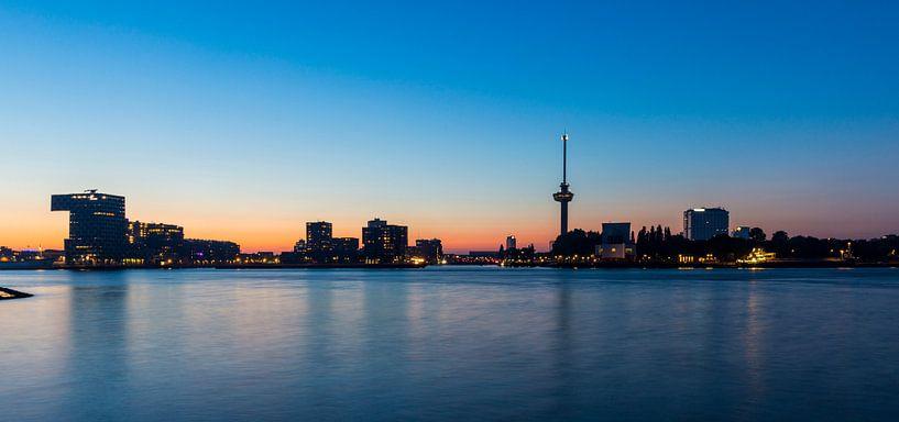 Skyline Rotterdam met Euromast van Marcel Krol