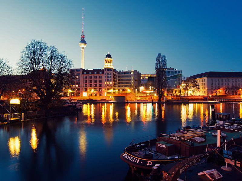 Berlin – Historischer Hafen / Mühlendammschleuse van Alexander Voss