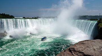 Blick auf den Hufeisen-Wasserfall in den Niagarafällen von Ed Steenhoek