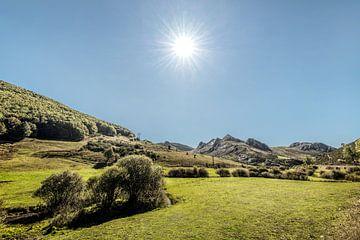 Landschap aan de zuidkant van de Picos de Europa van Harrie Muis