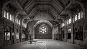 Verlassene Sporthalle in Beelitz von Frans Nijland