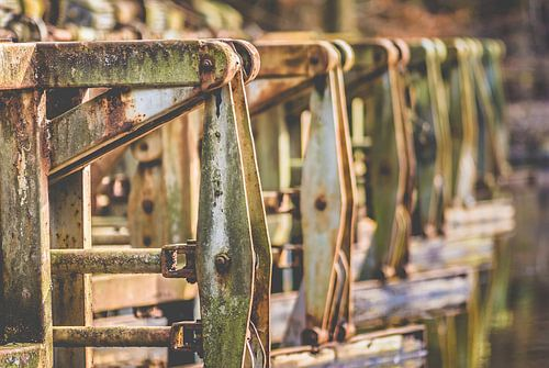 Oude verroeste industriele vintage machines