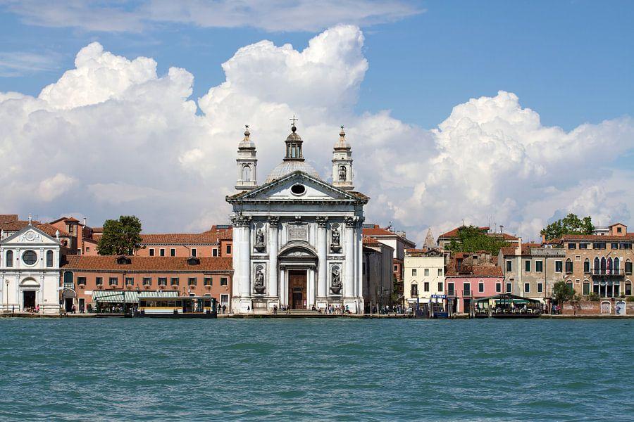 venetian promenade