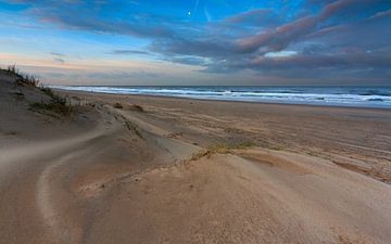 Golvend zand in het ochtendlicht van Remco Bosshard
