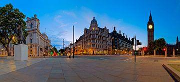 Panorama standbeeld Winston Churchill en Big Ben te Londen van