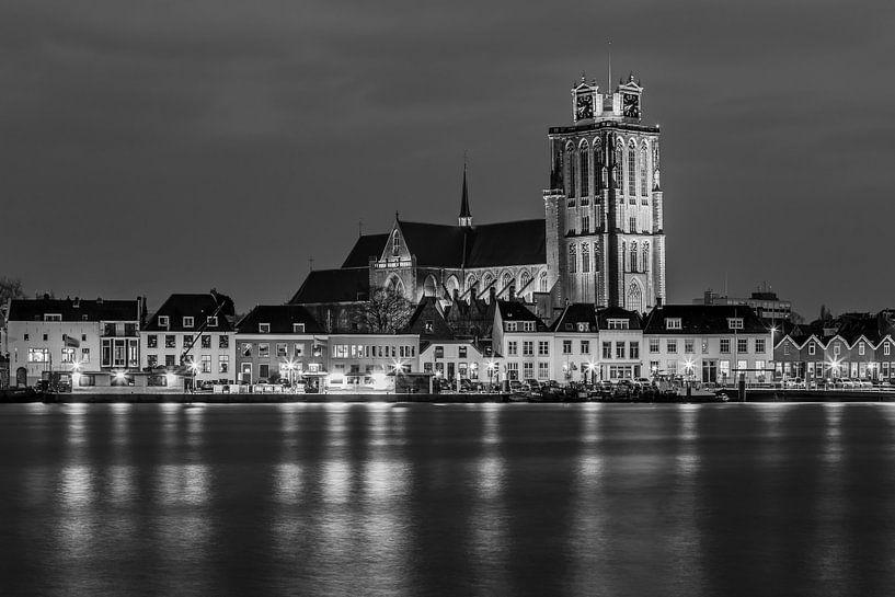 Grote Kerk in Dordrecht in zwart-wit - 1 van Tux Photography