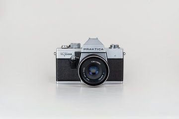 Analoge oude fotocamera, Practica Super TL-1000 van Sjouke Hietkamp