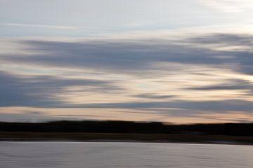 Verstild zeelandschap 4 van Jolanda Sprokholt