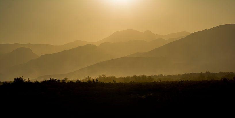 Zonsondergang bij Inverdoorn wildreservaat van Filip Staes